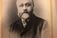 Portrait photograph of Richard Welford