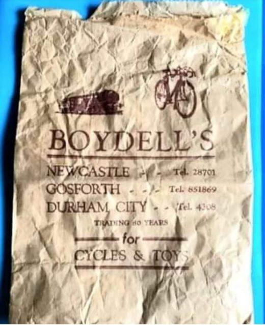 Boydells paper bag Discovering Heritage